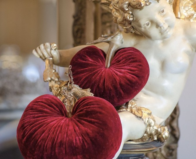 A French Country Valentine's Day | Edith & Evelyn | www.edithandevelynvintage.com