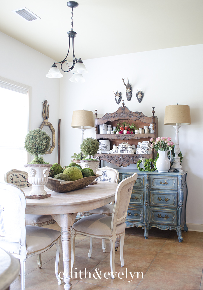 Adding A Touch of Spring to the Breakfast Room | Edith & Evelyn | www.edithandevelynvintage.com