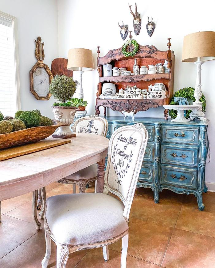 A French Vaisselier | Edith & Evelyn | www.edithandevelynvintage.com