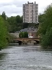Sedan - Résidence Ardennes - vue du déversoir