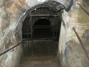 Sedan Château fort - souterrain et grille