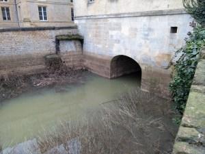 Sedan - Meuse - derrière la mairie