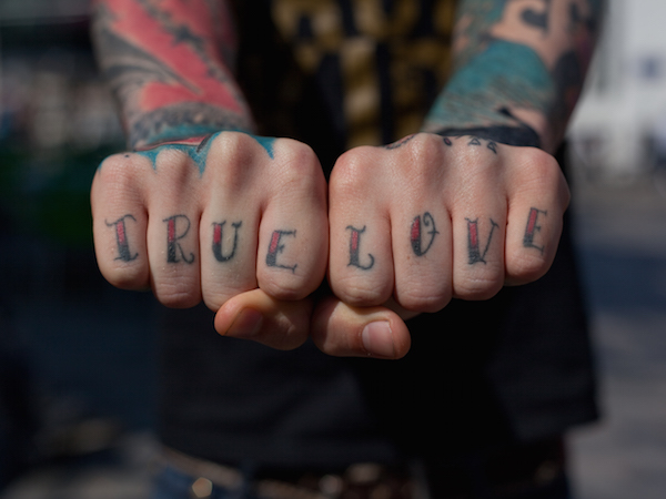 Inspiring Words Tattooed On Knuckles Reflect Universal