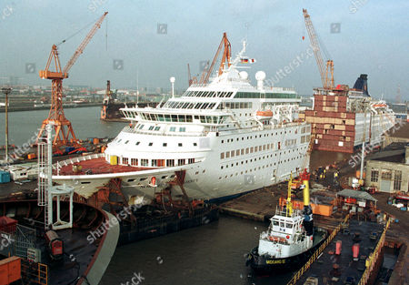 MAJESTY Specialists assemble Cruise Liner Norwegian Majesty ...