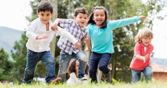 Niños diversas razas.