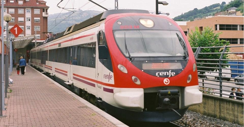 El tren que atraviesa la ciudad