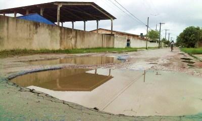 Avenida 17: Crateras podem atrapalhar o início das aulas na Escola do bairro