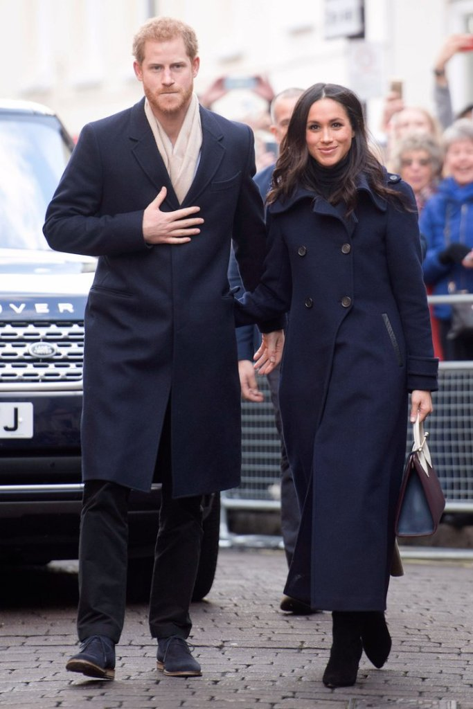 Meghan-Markle-Navy-Mackage-Coat