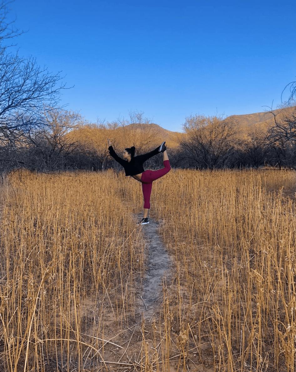 hannah bronfman yoga edit seven 2018