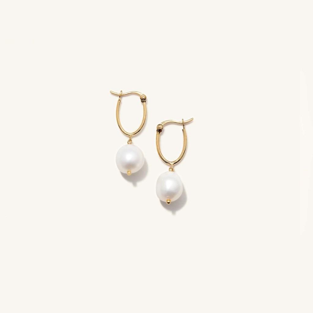 pearl earrings inspired by Bridgerton fashion