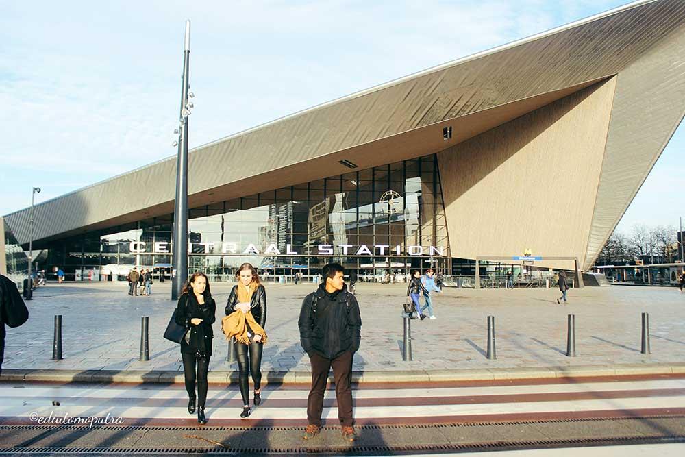 Aku Dan Negeri Van Oranje : Rotterdam