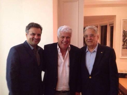 Nonô entre Aécio Neves e FHC, na convenção do PSDB