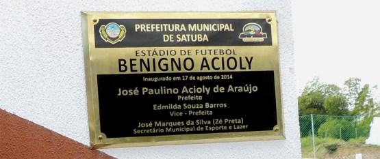 Foto postada no Facebook de Renan Filho mostra que a inauguração do estádio foi realizada em agosto