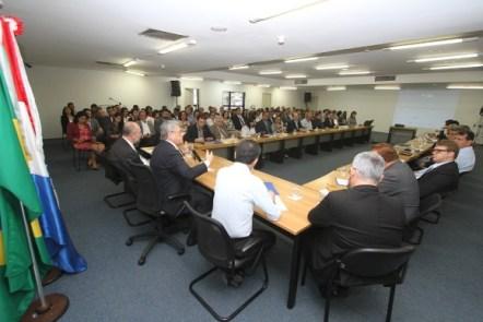 Teotonio Vilela durante reunião de transição do governo