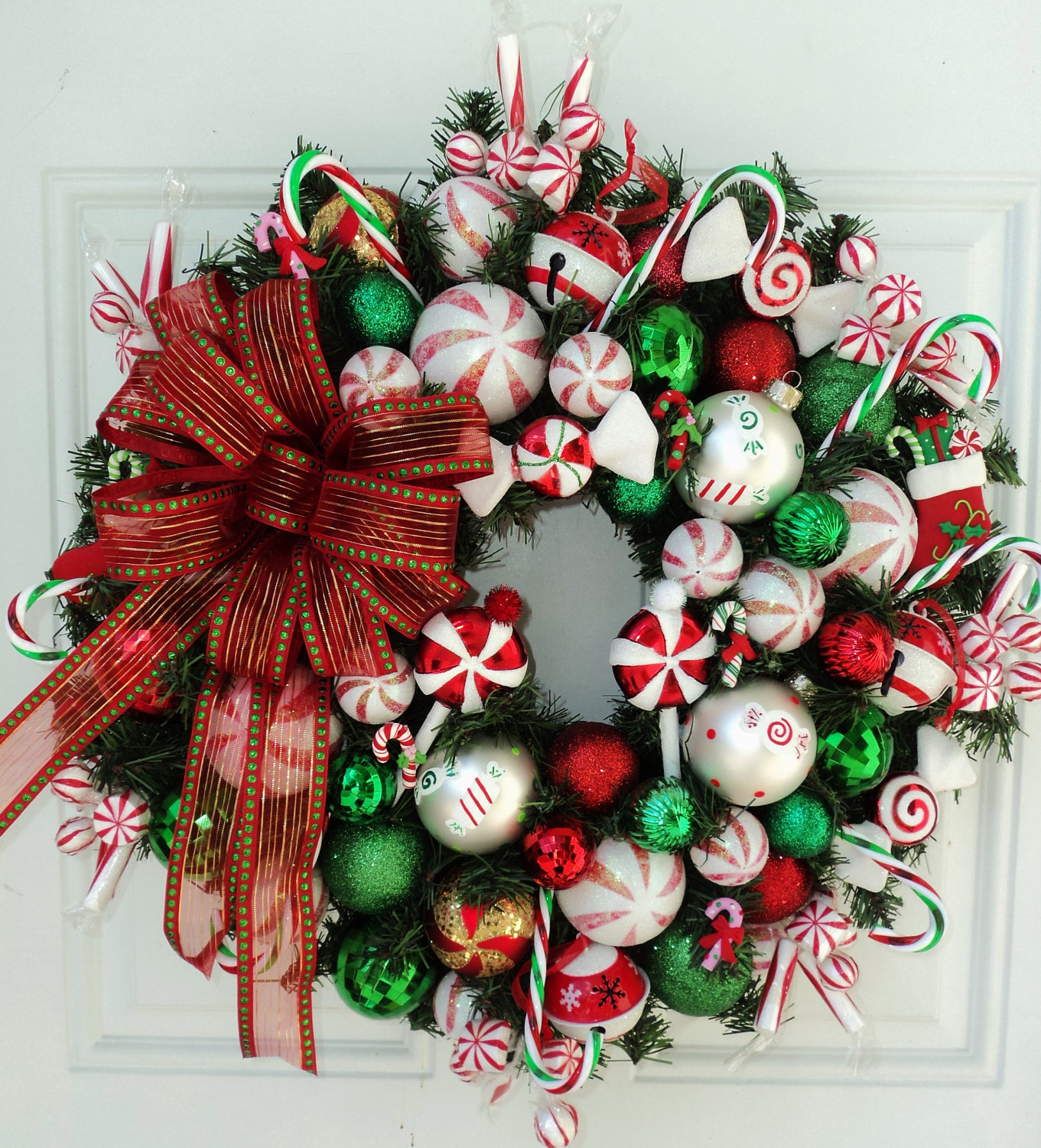 Make A Diy Christmas Wreaths Yourself To Celebrate The Holiday Season Elly S Diy Blog