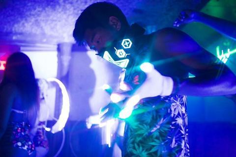 iEDM EDC Outfits Light Show