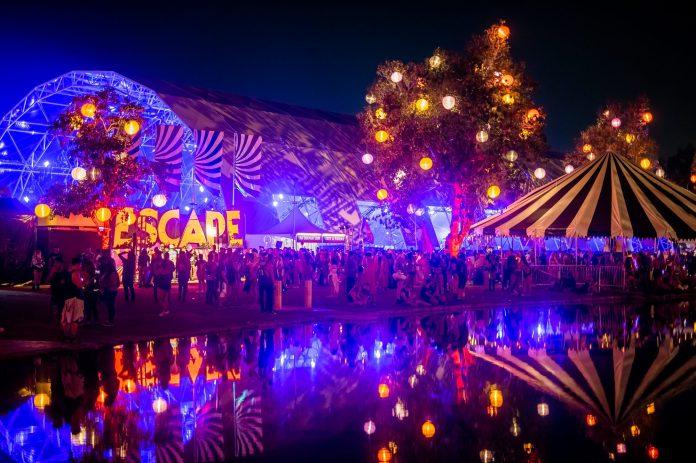 Escape: Psycho Circus 2018 Reflective Pond