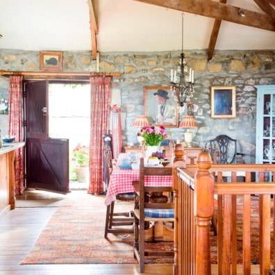 General info about Farmhouse dining room