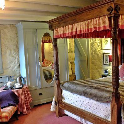 Characterfull B&B bedroom in Cornwall