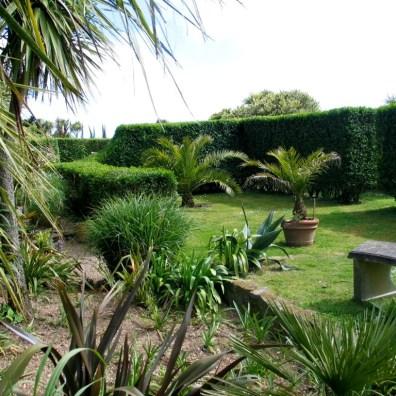 Formal gardens cornwall