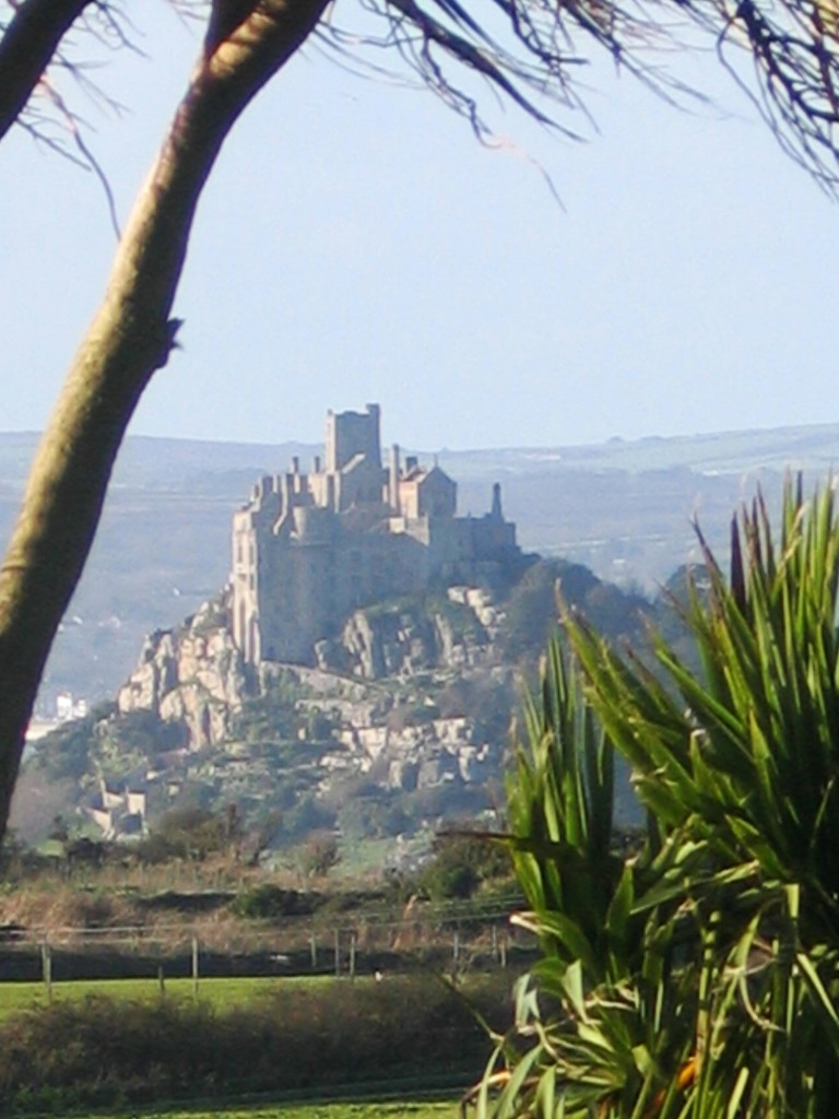 St michael's Mount in winter seen from Ednovean Farm