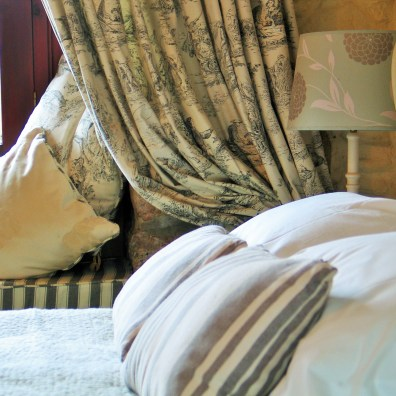 Double en suite bedroom at Ednovean Farm