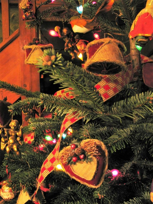 vintage Christmas decorations are like old firends