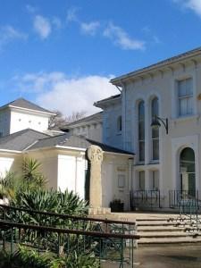 The elegant crisp facade of Penlee house
