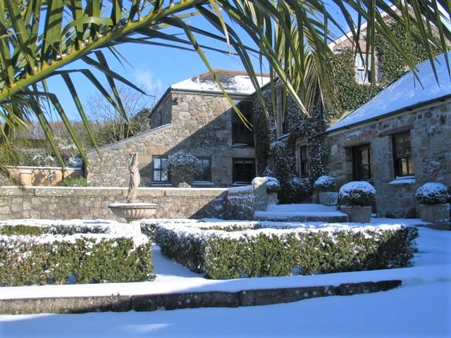 February snowfall in Cornwall - Farmhouse