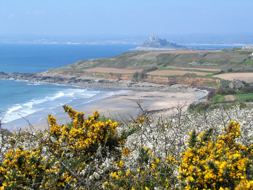 springtime impression of Cornwall  - walking the coastal footpath