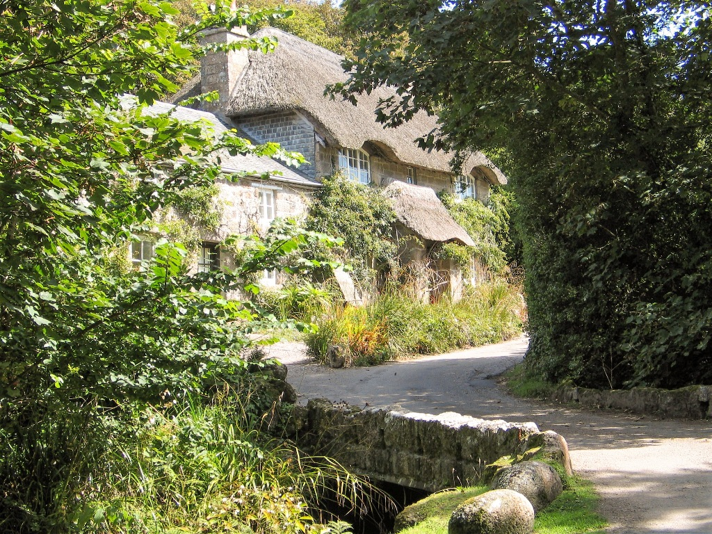 Thatched cottage Penberth valley