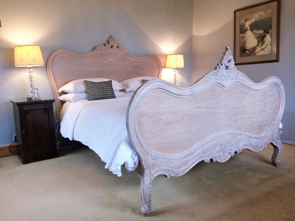 King sized bed - luxury B&B Blue room