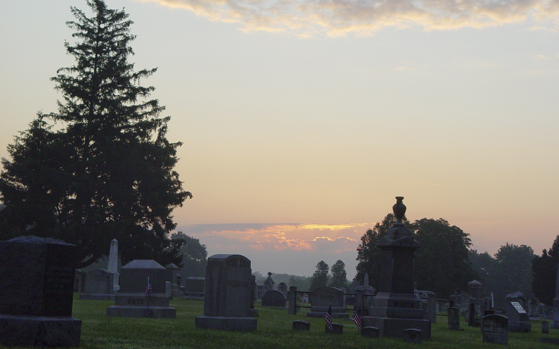 Sunrise, North Burial Ground, Bristol, RI (1920 x 1200 pixels)