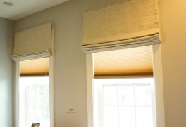 Flat roman shades with room darkening lining