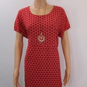 robe motif géométrique + collier e dressing des copines