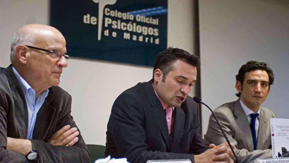 """Presentación del Libro: """"Terapia Familiar Sistémica"""" en el Colegio Oficial de Psicólogos de Madrid"""
