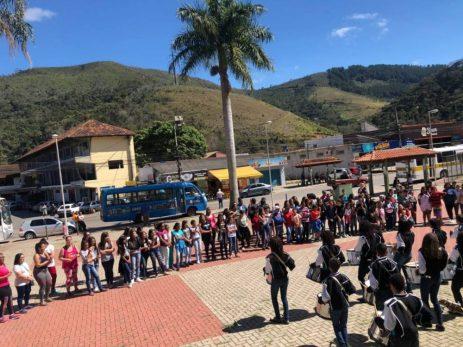Apresentação da Banda Dançante do CEDAL na Praça Samuel Macário em Bonsucesso