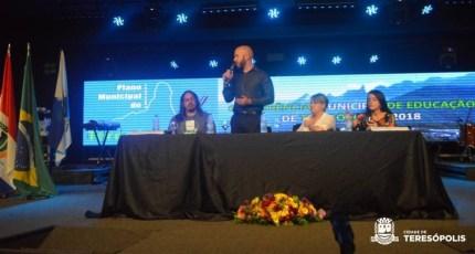 Prefeito Vinicius Claussen na Conferência Municipal de Educação de Teresópolis - 2018