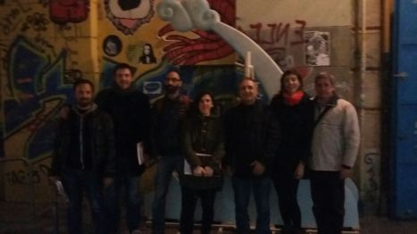 La visita a un taller de falles guiats pel Ricard Català i en Carles Monclús