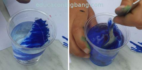 Papel pintado en agua