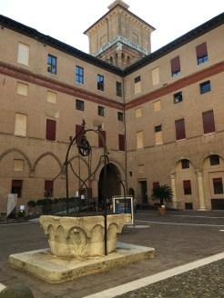 Castello - courtyard