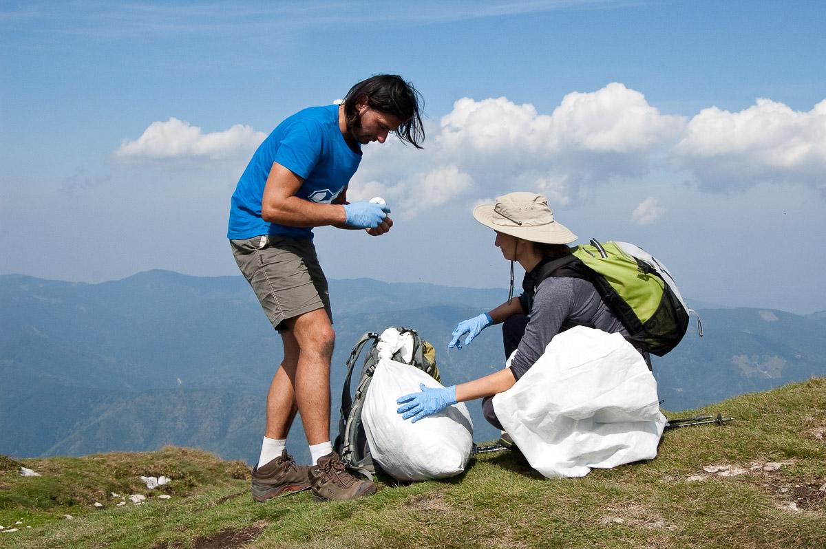 500 kg de gunoi adunate în PN Piatra Craiului. Respectă Munții!