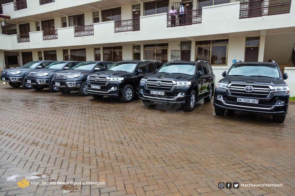 JUST IN: Gov't donates Vehicles to 3 Universities 1