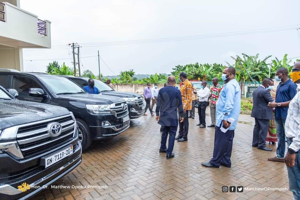 JUST IN: Gov't donates Vehicles to 3 Universities 5