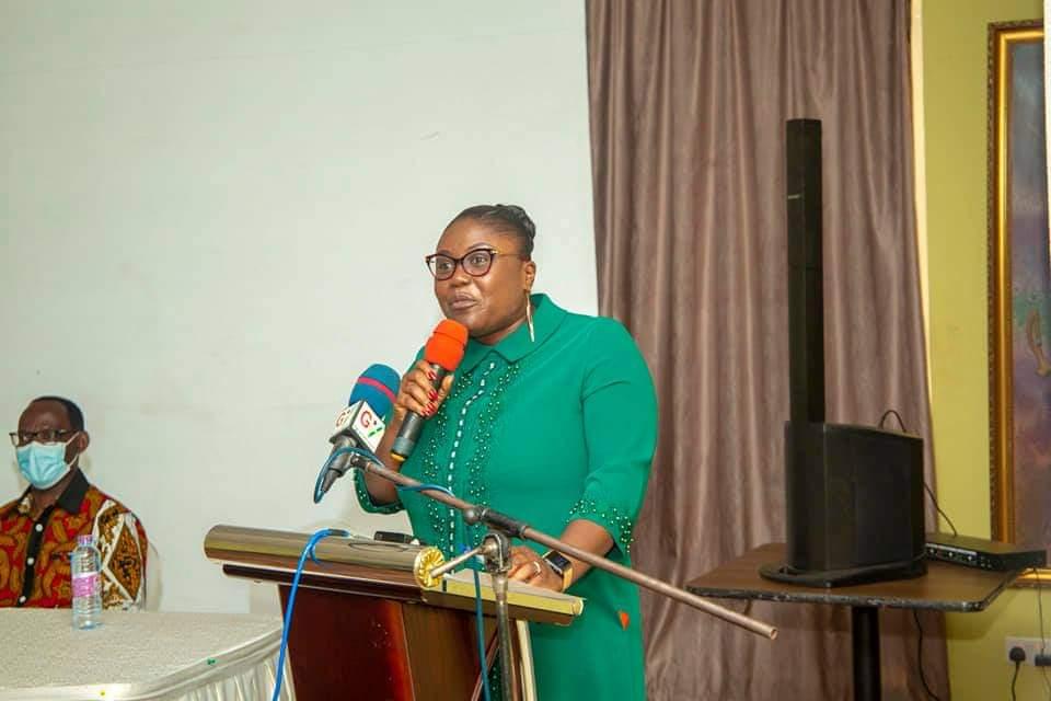 Adutwum presents Citations to 12 SHSs in Ashanti Region over Excellent Performance in WASSCE 5