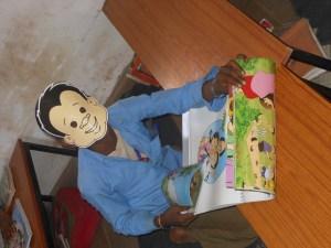 किताब पढ़ते बच्चे, अर्ली लिट्रेसी, प्रारंभिक साक्षरता, रीडिंग रिसर्च, भाषा शिक्षण