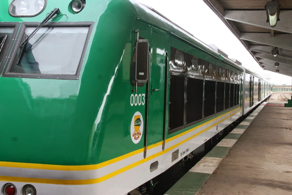 FG shuts down all passenger train services