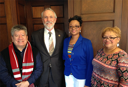Representative Dan Newhouse with the travelers from Washington. From left: Gabriel Portugal, Rep. Newhouse, Quontica Sparks, and Ruvine Jiménez.