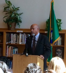 League of Education Voters board treasurer Kevin Washington kicked things off as the MC