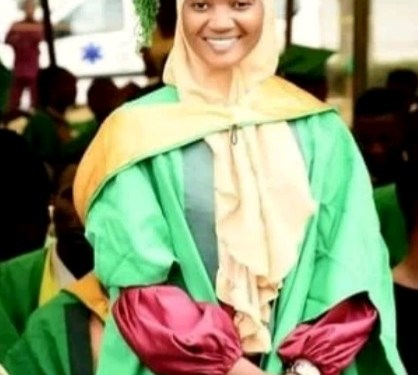23 year old lady emerges best graduating student at Federal Poly Ilaro